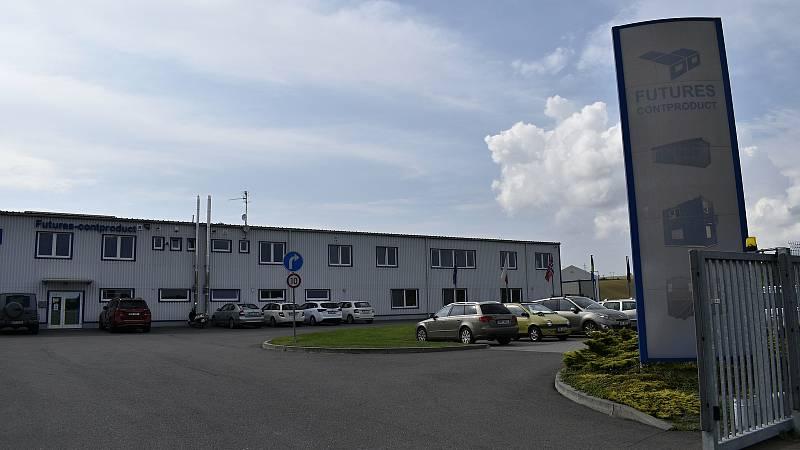 Společnost Futures z Vranovic-Kelčic vyrábí a exportuje obytné kontejnery do celého světa