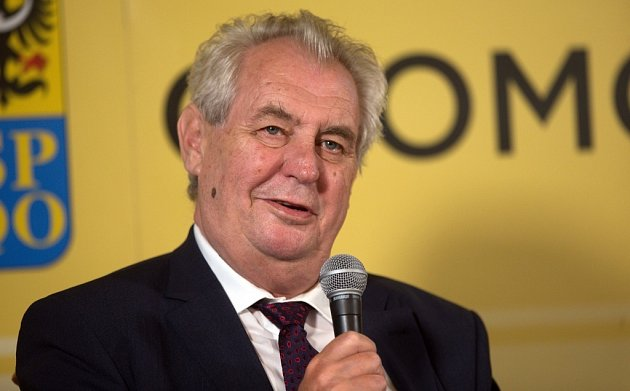 Návštěva prezidenta Miloše Zemana na zámku vČechách pod Kosířem