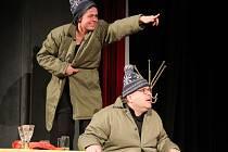 Divadelní soubor Zmatkaři přivezl komorní hru Dva