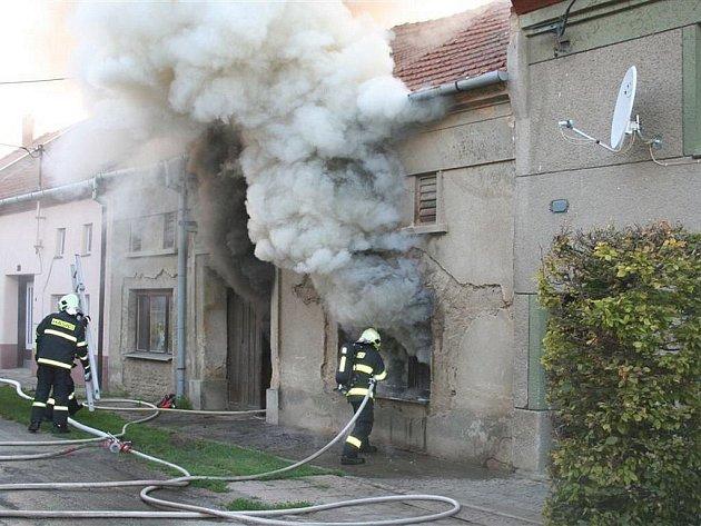 Požár domku v Čehovicích