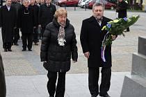 Představitelé Prostějova se poklonili před sochou T.G.Masaryka. Oslavili tak 166. výročí jeho narození