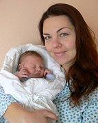 Adam Pudil s maminkou Hanou, Prostějov, narozen 22. listopadu, 53 cm, 4150 g