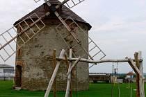 Anička Hajkrová vyrůstá ve mlýně.