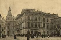 6.  Pohled na hlavní poštu ze Žižkova náměstí.
