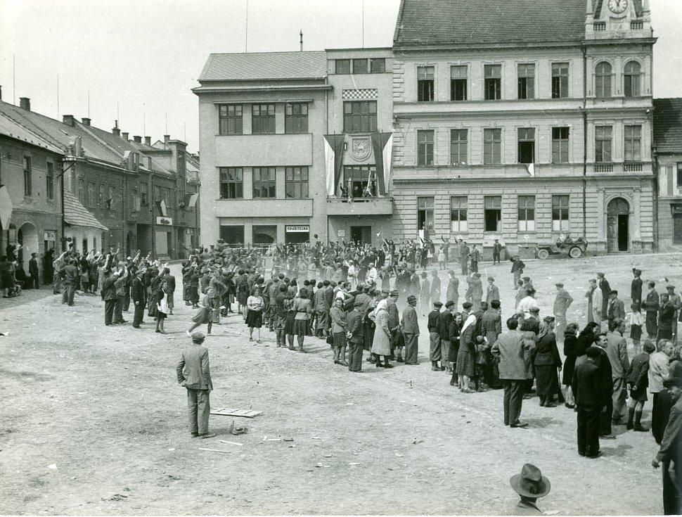 Příchod Rudé armády vkvětnu 1945