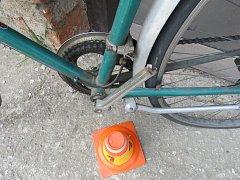 V Zámecké ulici v Plumlově se zranil cyklista. Skončil v nemocnici.