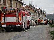 Hasiči zasahují u zřícení domu v Laškově