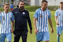 Fotbalisté Prostějova (v modro-bílém)