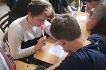 Do krajského kola piškvorkového turnaje postupují studenti Cyrilometodějského gymnázia a Gymnázia Jiřího Wolkera.