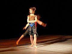 Pódium v Městském divadle v Prostějově patřilo po celou sobotu tanečníkům. Poprvé v historii se zde konala krajská postupová přehlídka dětských skupin, mládeže a dospělých ve scénickém tanci.