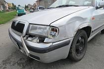 Nehoda tří aut v Držovicích.