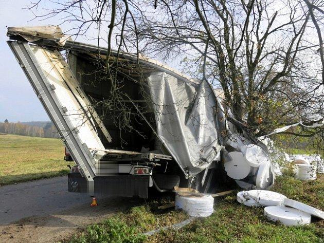 Nehoda opilého řidiče náklaďáku u Protivanova