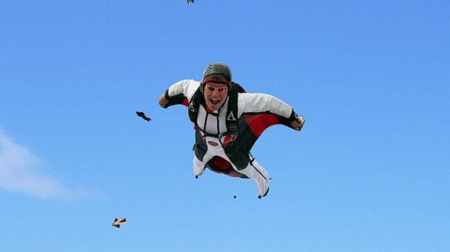 Wingsuit flying. Ilustrační foto