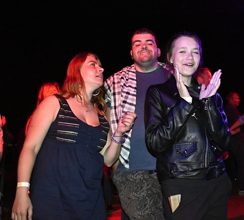 Páteční rocková nálož v podání Vaťáku a místní smečky Hard odstartovala hodové veselí v Prostějově. 10.9. 2021