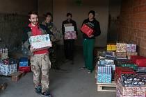 Nákladní auto plné vánočních dárků pro děti na Ukrajině vyjelo ve středu ráno z Olomouce. Veze dárky pro 334 dětí ze sociálně slabých rodin a dětských domovů. Do akce se zapojili prostřednictvím Charity i lidé z Prostějova, kteří darovali vánoční balíčky