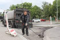 Oprava silnice u zimáku v Prostějově