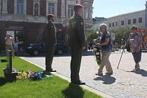 Tři prostějovské oběti invaze vojsk Varšavské smlouvy z roku 1968 si ve čtvrtek kolem druhé hodiny odpoledne připomněli nejen politici na náměstí TGM.