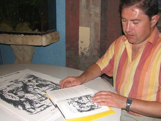 Josef Milar s knihou bájí a pověstí