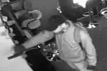 Přepadení herny v Kostelecké ulici - záznam z bezpečnostní kamery