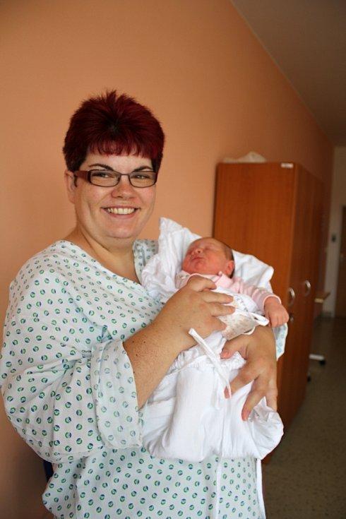 Alena Plenařová s maminkou Renatou, Prostějov, narozena 30. července, 50 cm, 3550 g