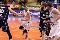 Prostějovští basketbalisté proti Děčínu