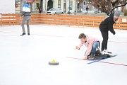 Curlingové klání na kluzišti v Prostějově