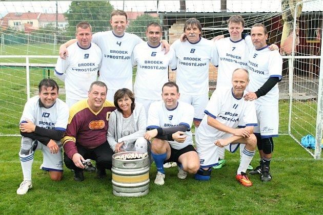 Fotbalový turnaj hráčů nad 40 let v Kostelci na Hané, třetí ročník.