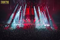 V pátek 22. listopadu se ve Společenském domě rozpoutá rockové peklo v podobě koncertu skupiny Traktor.