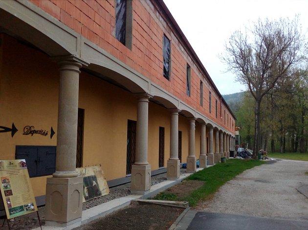 V Čechách pod Kosířem pokračují práce na rozšíření Muzea historických kočárů Mylord