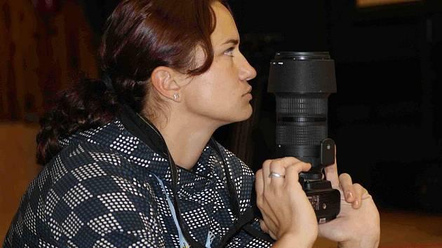 Fotografka v akci. Ilustrační foto