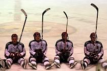 Prostějovští hokejisté při oslavě vítězství