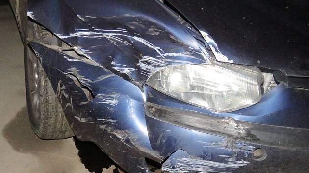 Řidič Alfy Romeo se rozhodl, že od nehody ujede. Policisté ho však našli a brzy zjistili, proč se setkání s nimi šofér obával.