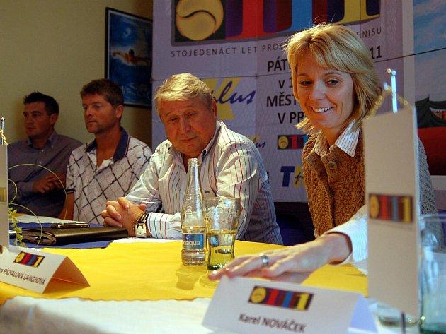 V popředí Petra Píchalová Langrová a Miroslav Černošek