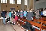 Výstavu připomínající dobu socialismu v kostele Husova sboru v Prostějově. 14.11. 2019