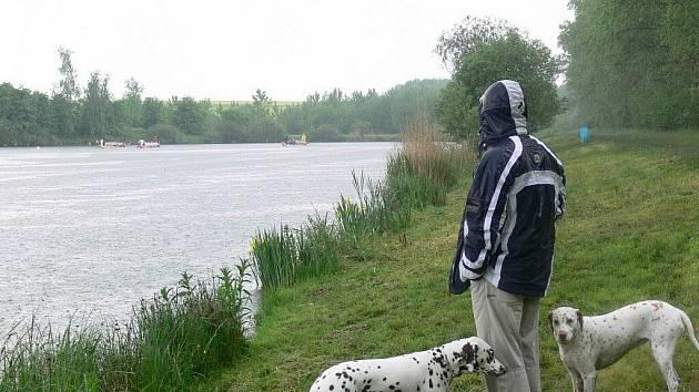 V Čehovicích u rybníka