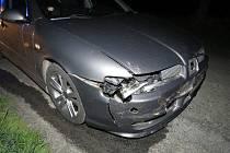 Srna přeběhnutí silnice nedaleko Pěnčína nepřežila. Řidič, který do ní narazil, vyvázl bez zranění.