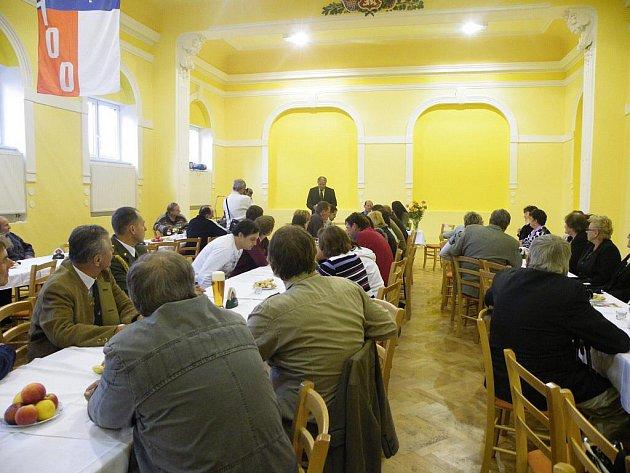 Oslavy 100 let  sokola v Čehovicích