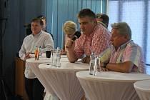 Miroslav Černošek a další představitelé prostějovského sportu obhajují myšlenku Národního olympijského centra v Prostějově