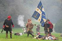 Bitva z dob britsko-francouzských válek v zámeckém parku v Čechách pod Kosířem