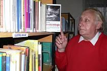 Josef Páč se stal Přítelem knihovny