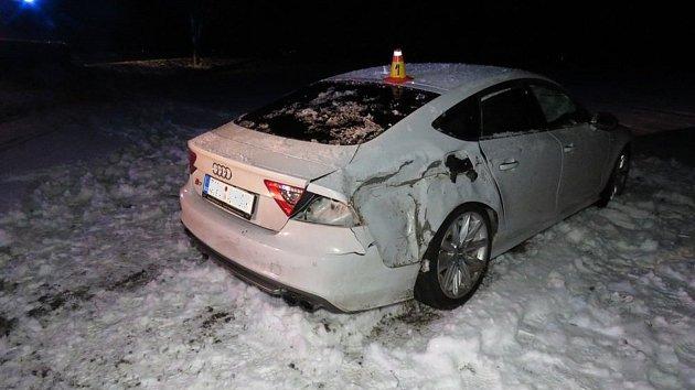 Nehoda řidičky audi u Bedihoště