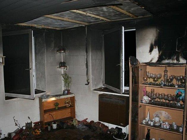 Požár v rodinném domě v Holubicích