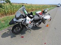 Nehoda motorkáře u Hluchova