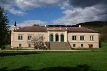 Zámek a zámecká zahrada v Čechách pod Kosířem
