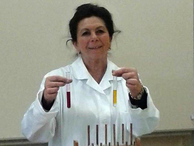 Profesorku chemie Ivanku Hájkovou studenti nominovali na Zlatého Ámose