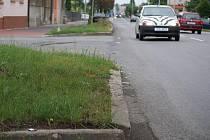 Místo nehody motorky a opelu v Olomoucké ulici
