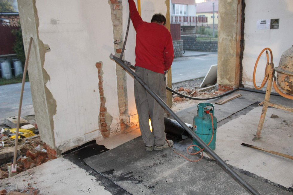 Rekonstrukce hasičské zbrojnice v Otinovsi