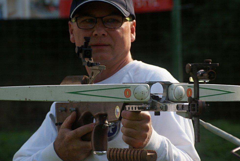 MČR ve střelbě z polní kuše v Plumlově - 12. 9. 2020 - předseda SKŠZ Plumlov Bedřich Korbař