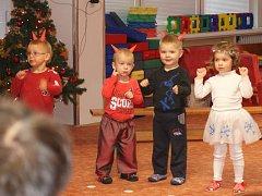 Vánoční besídka v MŠ Plumlov - nejmladší děti