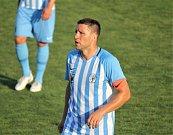 Fotbalisté Prostějova (v modrém) hráli doma s Hradcem bez branek.Aleš Schuster (Prostějov)